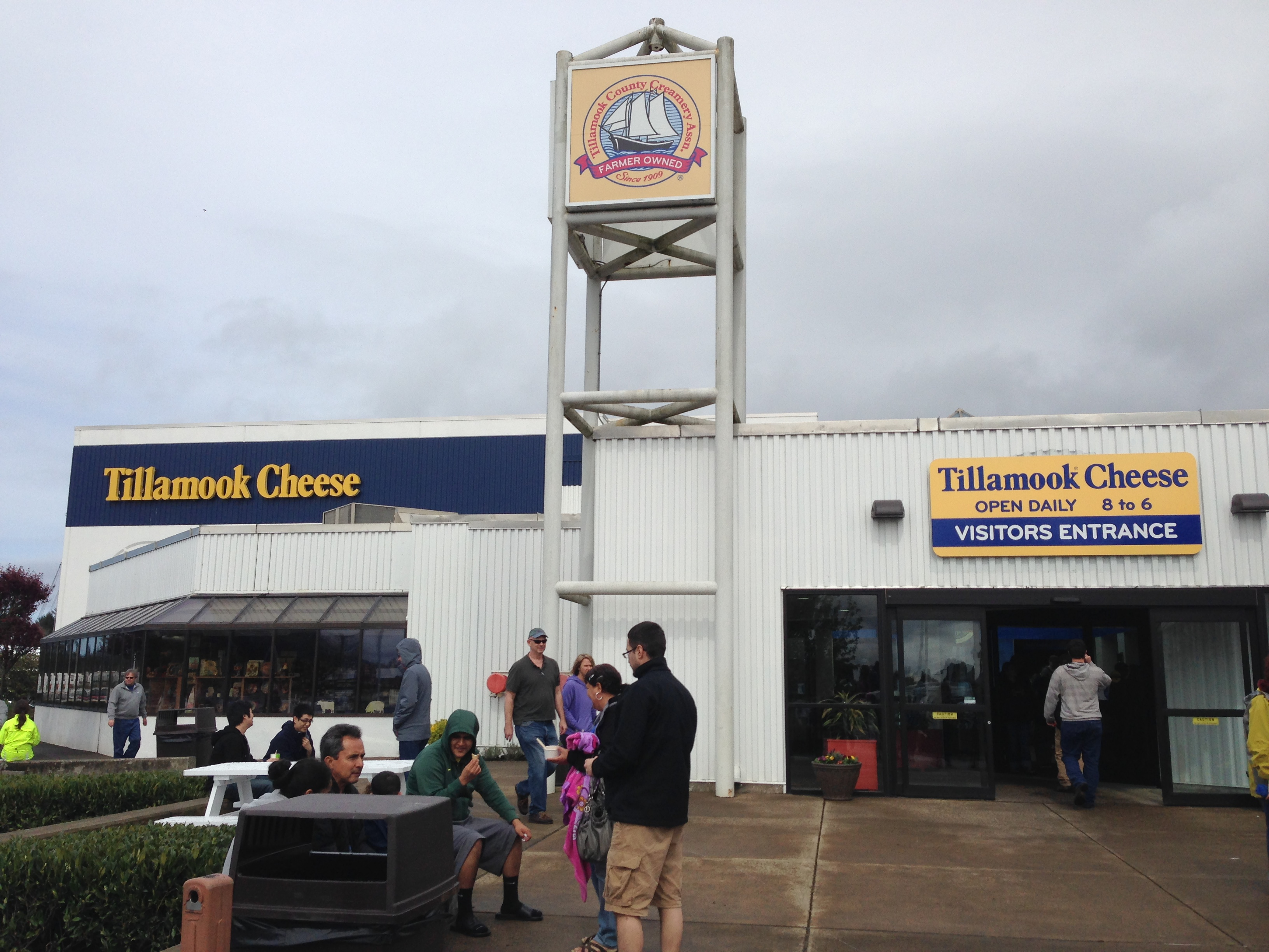 Review The Tillamook Cheese Factory Is Pretty Disappointing