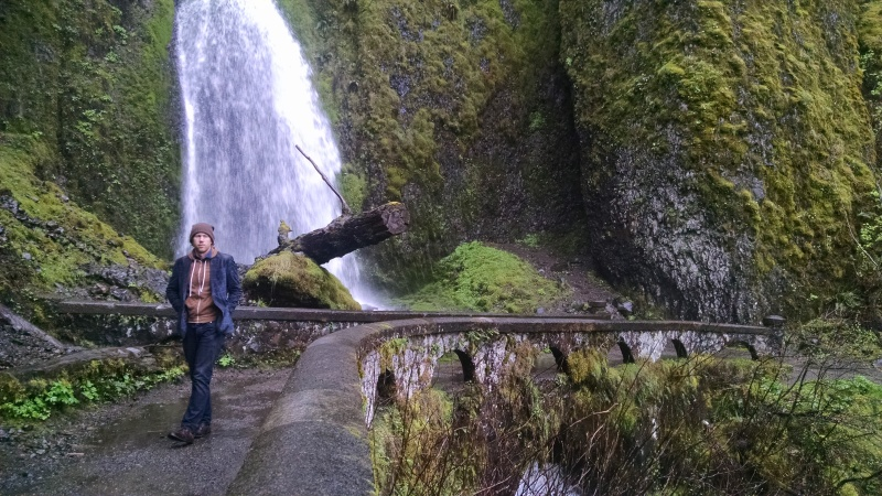 Fewer tourists at Wahkeena give travelers the time and space to absorb the lush beauty of the falls and the gorge.