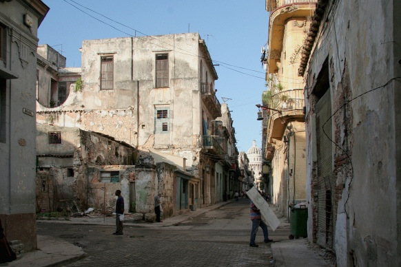 Calle Brasil, Habana Vieja. Via Jacques Lebleu