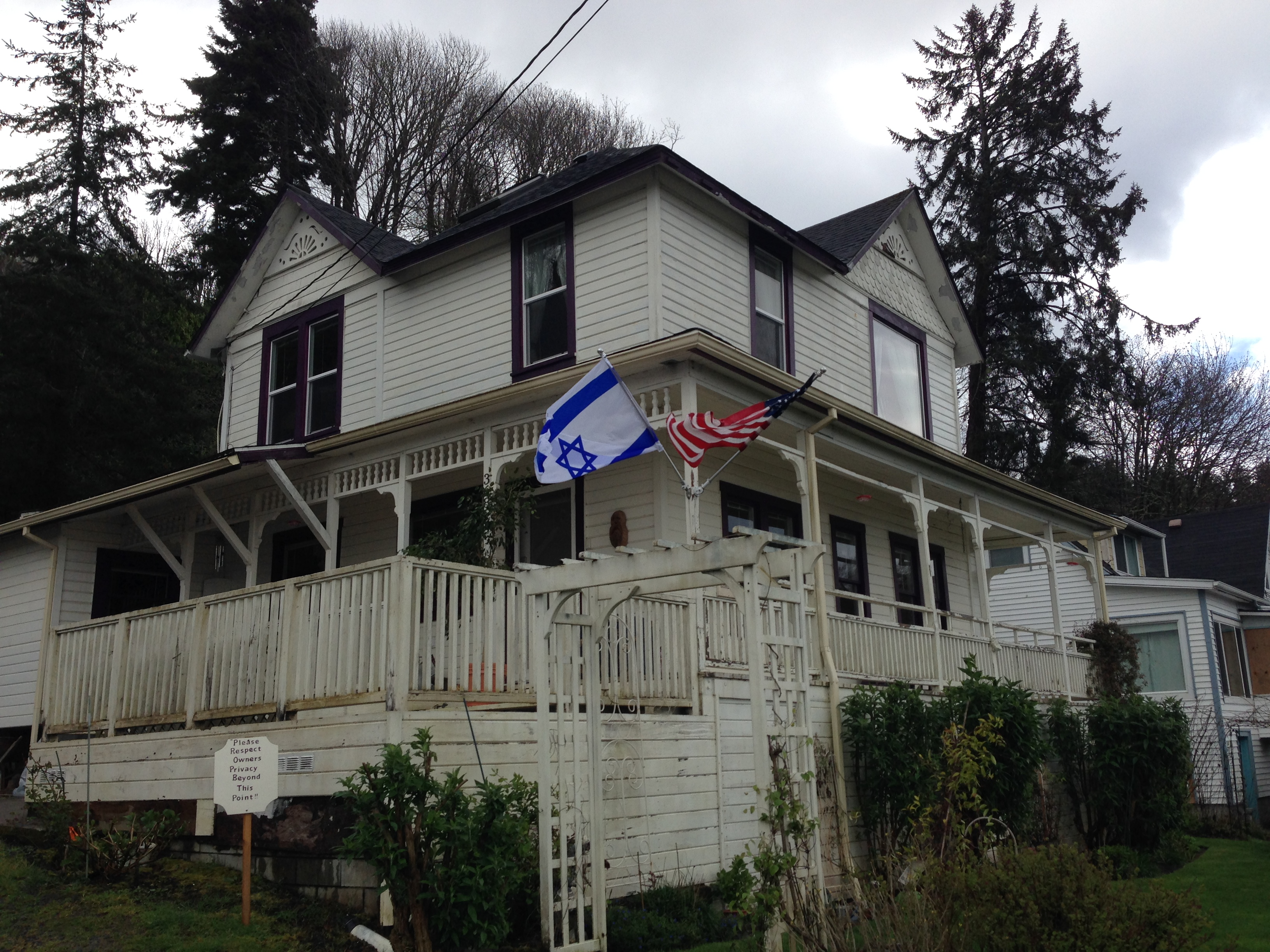 Nice The House Featured In The Classic And Beloved 80s Movie The Goonies Is  Real. Itu0027s Located In Astoria, Oregon, On A Hill That Offers Pleasant Views  Of The ...