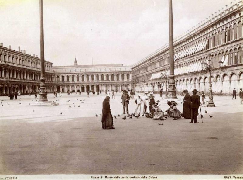 Naya,_Carlo_(1816-1882)_-_Venezia_-_Piazza_S._Marco_dalla_porta_centrale_della_Chiesa